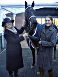 BLACK SEA PEARL IN THE WINNER\'S ENCLOSURE WITH JAN HARRIS AND DAUGHTER LOUISE